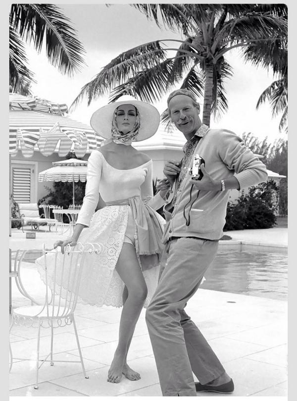 Photo of the morning: Norman Parkinson + Carmen Dell, 1959