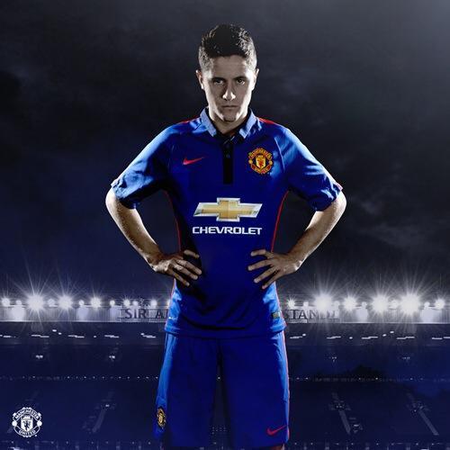 Btu X8GCIAAleta Man United unveil new blue third kit set to be first worn in friendly v Inter tonight [Pictures]