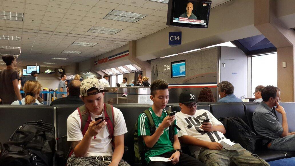 @Gavin_MJ lagi transit di Dallas Airport nuju San Francisco http://t.co/aRcXaqow4v