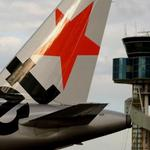 Jetstar apologises after a crew member told passengers to flush drugs down a toilet http://t.co/VxW9Pmedbd http://t.co/mSdDohmQ2F