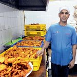 RT @khaleejtimes: Service with a smile on #Eid holiday http://t.co/XEVxcc6DIN http://t.co/21rjqVKj0q