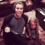 Luke with Johns daughter tonight! http://t.co/wjckjb5UvI