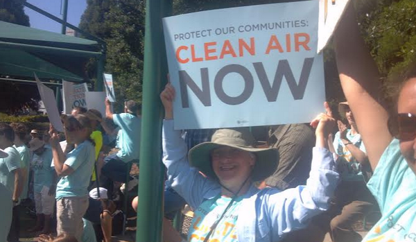 """Protect our communities! Clean air now!"" What's yelled out when #Tennessee stands together to #ActOnClimate. http://t.co/Q3W5ttapRU"
