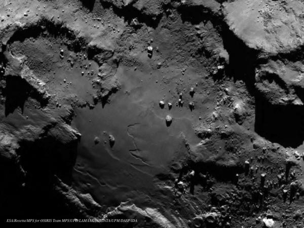 LATEST! Stunning close up from @ESA_Rosetta of comet #67P shows boulders, craters & cliffs http://t.co/nzLmKyZ3d8 http://t.co/DdUWXCvEZB