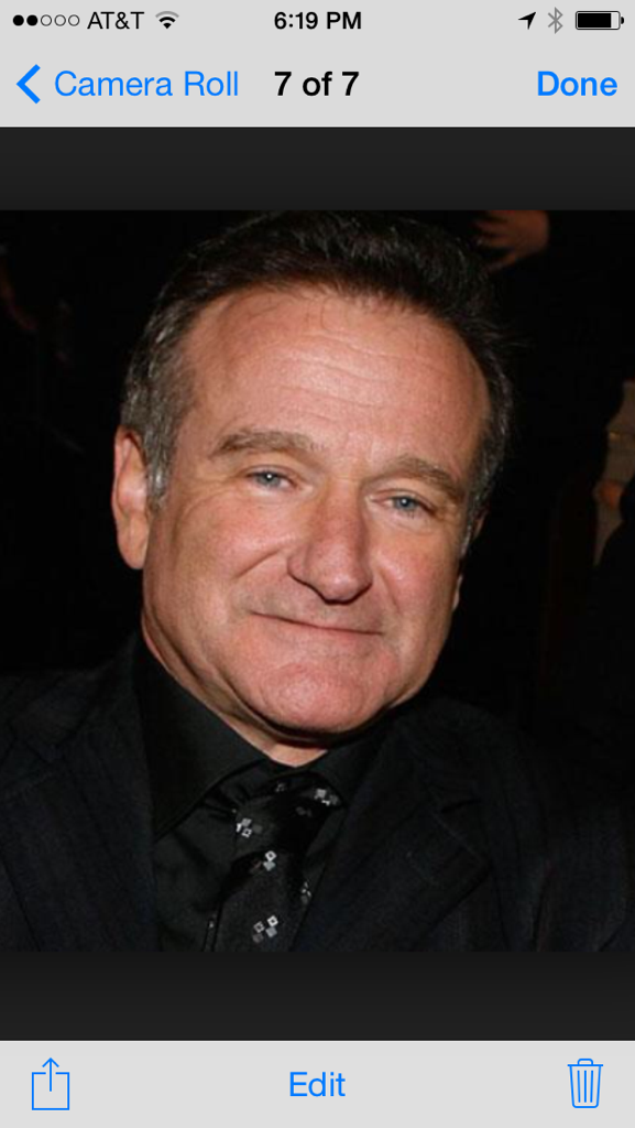 RIP Robin Williams he was one of the kindest and funniest guys I ever cooked for cook in my life he will be missed . http://t.co/UzNs4VIvPZ