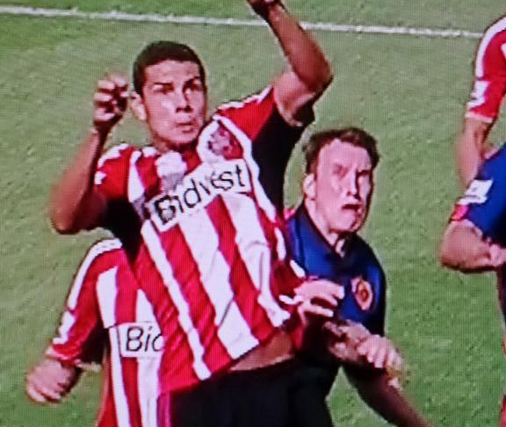 Bv0GkxECcAAsbxK Phil Jones pulled another epic face as Jack Rodwell levelled for Sunderland v Man United