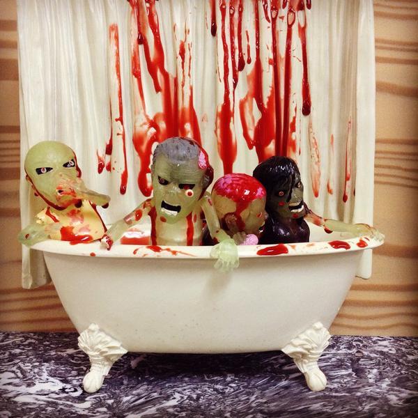 Zombie Blood Bath! #zombie http://t.co/Vav1eXzNGx