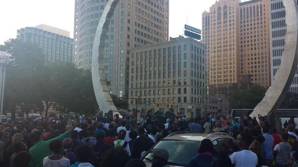 #Detroit stands in #solidarity with #MichaelBrown and all victims of racial injustice. #NMOS14 #NMOS14DET #FURGUSON http://t.co/LjYCrI4fi5