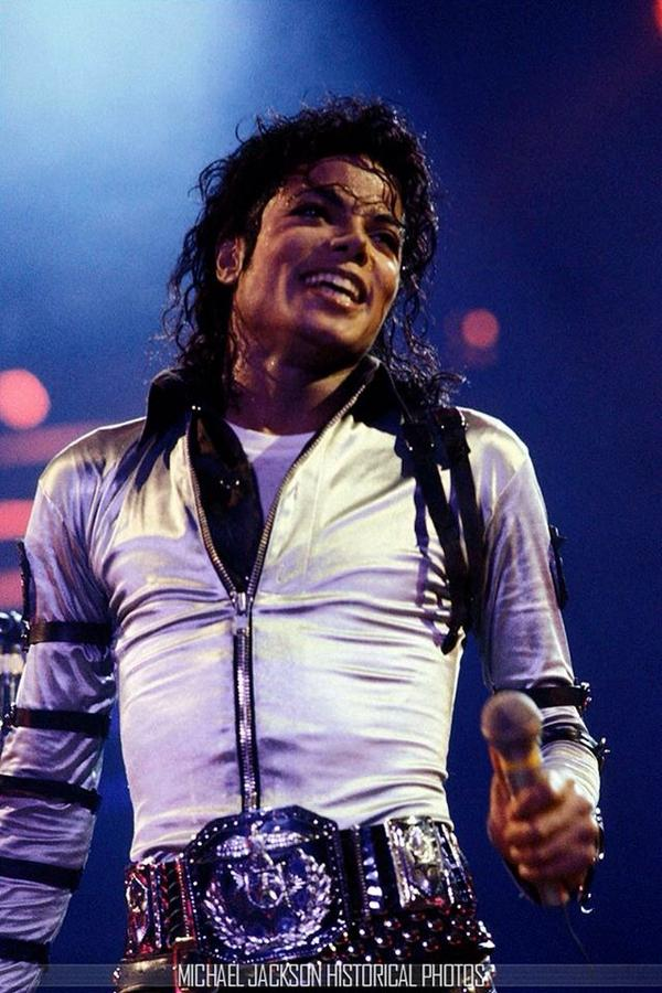 I'm voting for THE BEST FANDOM of August! Vote NOW at:  http://t.co/WNvsiXYPk5 #MJFam http://t.co/WB3Jr3272l