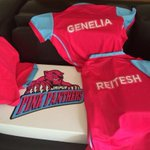 "Thank u Abhishek ""@Riteishd: The Deshmukhs are ready - the Pink Panther Goodies arrive - @juniorbachchan http://t.co/BfiHTJkwAC"""