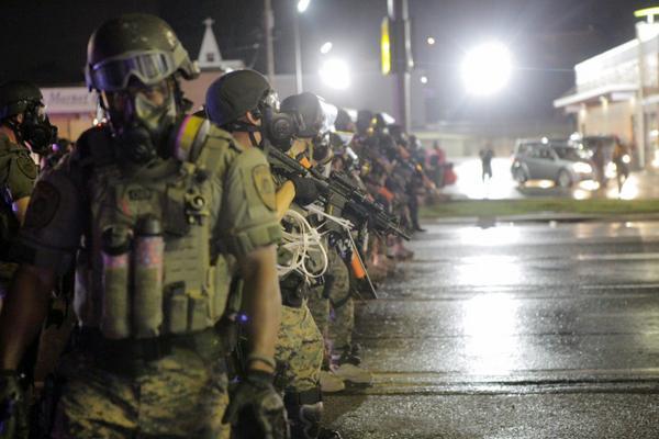 Last night in Ferguson by @AmyKNelson http://t.co/Cag7TorB99 http://t.co/bb32v4B5tT