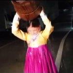 女優 キム・ユジョン、ALSアイス・バケツ・チャレンジに参加。 http://t.co/dI3qcJxlRx http://t.co/4YNOPNYuon
