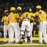 RT @chicagotribune: #jackierobinsonwest leading 6-4 heading into the 5th inning http://t.co/BkXzpLnpz5 http://t.co/UULHhNyWEE