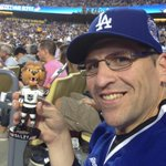 Wow! Sitting here in the #Dodgers Dugout Club & I get a delivery from @BaileyLAKings!!! Thank you Lion! #LAKings http://t.co/rkFHTjSvrR