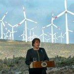 RT @vero_tellez: Presidenta Bachelet inaugura el mayor parque eólico del país// proyecto impulsado por el gobierno de @sebastianpinera http://t.co/lGOtYIX66t