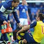 RT @ActuFoot_: Selon lEquipe, le staff médical dArsenal nespère pas récupérer Olivier Giroud avant 2015 ! http://t.co/0BFK7AqY4U