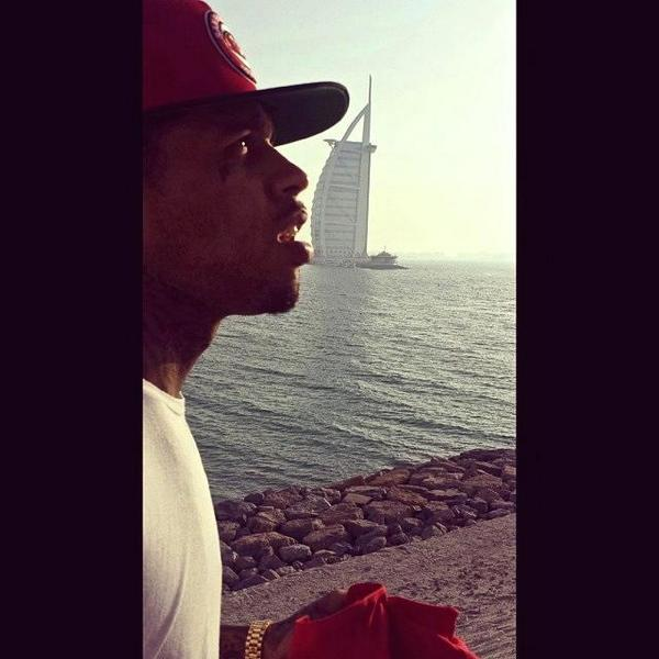 Welcome to Dubai @Kid_Ink! Let's do this! #live #tonight http://t.co/aedU6WRx5S