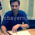 RT @PurelyFootball: Photo confirmation of Xabi Alonsos move to Bayern Munich. http://t.co/7bO93MZJux