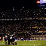 Excelente imagen del festejo de los jugadores ¡Que lindo ser Bostero! #VamosBoca http://t.co/xM5i1C3wSd