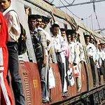 Nightmare on #Mumbais Central Railway after overhead wire breaks #mumbailocal, #Mumbai http://t.co/UsccbcBAei