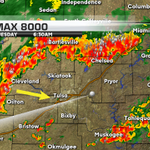 #Tulsa: Heavy rain, lightning moving in. ETA: 35-50 mins. Street flooding poss, along w/ dangerous lightning #okwx http://t.co/hetTKptKLL