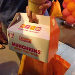 SantaMonica @DunkinDonuts has opened, the first customer sharing Munchkins with @ChristineOnNews @myfoxla @GDLA http://t.co/woNN1WNei5