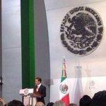 RT @caroviggiano: La #ReformaEducativa apoyará 20 mil planteles con 7,500 millones de pesos: @EPN #SegundoInformedeGobierno http://t.co/I2LrkyIEos