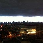RT @El_Dobrochinski: Preparação Curitibana para uma chuvinha básica. @gazetadopovo @rede_globo_prtv http://t.co/ycqVTxxIrV