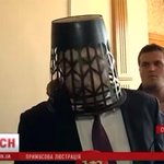 Российские избиратели завидуют украинским: в Киеве началась люстрация депутатов http://t.co/9QDAMoxh4S