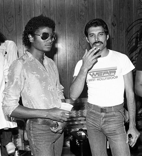 遂に出た!噂のフレディ&マイケルのデュエット曲、発売 | #Queen | BARKS音楽ニュース http://t.co/tToaaERrMD #BARKS #フレディ・マーキュリー #マイケル・ジャクソン http://t.co/E8hoPzrMhz