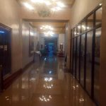 RT @ANCALERTS: Floods reach the offices of Manila City Hall. (Photo via @Nikobaua) http://t.co/cK3Ur6ZiLX