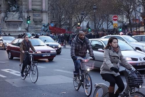 Francia propone una paga extra para los ciudadanos que vayan en bicicleta al trabajo http://t.co/RY3DPq1sOD http://t.co/zXnERIZRAV