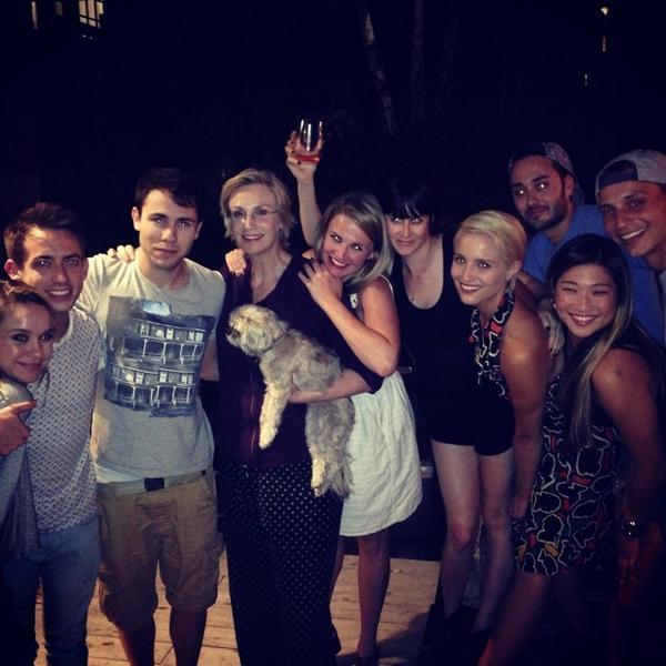 Party at Aunt Jane's. @Meg_Doyle @druidDUDE @JennaUshkowitz @DiannaAgron @becbecbobec @whocametodinner http://t.co/yFwTcAY8hX