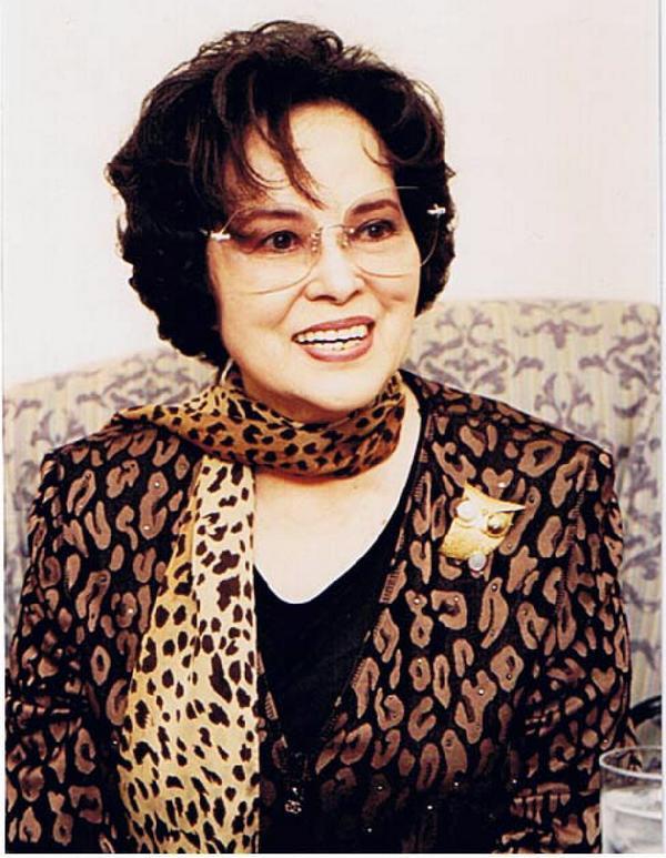 【即时】著名艺人李香兰(本名:山口淑子),已于本月7日逝世,终年94岁。 http://t.co/Euu89vgxom http://t.co/N3fefUH92Z