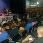 El teatro Duque de CCOO lleno para escuchar el testimonio de @Manu_Abu_Carlos sobre la masacre en Gaza #Sevillahoy http://t.co/9O6giF20RM