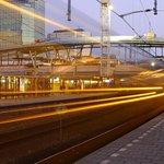 Doorkijktrein op Utrecht Centraal. @UtrechtNetwerk @nsreiziger @CU2030 @Utrecht2014 http://t.co/wy2835vE7j