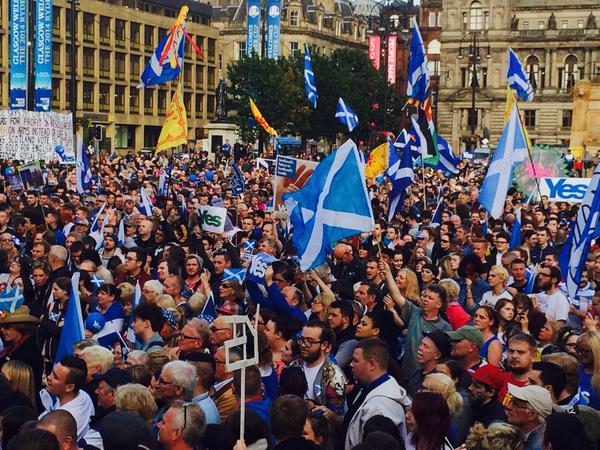 Incredible scenes in Glasgow this afternoon. Had to go and soak it up. The roar audible from our office #indyref http://t.co/vbJ2rPa4C9