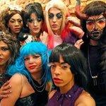 #Rio: Drag queens fazem rolezinho para promover documentário Drag-se. http://t.co/KuOa5YIyzQ http://t.co/iq5A93Xpqm
