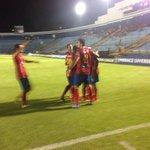 Así celebró nuestro equipo el 2-0 ante @rcdespana Marvin Ávila se anota un doblete en la @TheChampions #Rojos http://t.co/ZDi5snOOZI