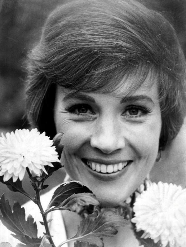 Happy Birthday to a lovely lady who's practically perfect in every way, Dame Julie Andrews! http://t.co/8cpApSm0iR