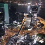 Perhaps most incredible photo of #HongKong you will ever see: protests last night via @hkdemonow http://t.co/hSuYMXHTCF