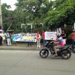 Plantón de usuarios contra la empresa Electricaribe @MeridianoWeb habitantes insatisfechos con servicio de energía http://t.co/Vwcp7pW0RC