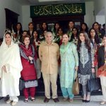 RT @AQpk: The real heroes, the #Pakistan cricket team girls, are in the back. Politicians at front! http://t.co/8juBylJmCP #FailedPakDemocracy