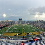 RT @ULFlyingCard: #RedvBlueAtFIU Will be interesting to see how many @uoflfootball fans attend todays game! Tweet me your pics! #L1C4 http://t.co/HSYMl2v614