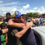 """""""Frente a este modelo decadente, un modelo progresista, inteligente e incluyente"""", @hcapriles #Falcón #20S http://t.co/cpYQumcnFF"""