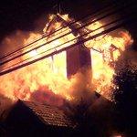 RT @Clave9cl: (VIDEO) Incendio presuntamente intencional destruyó la parroquia Santo Tomás en Temuco http://t.co/qWjJCwsgOz http://t.co/T0iofkZ7NK