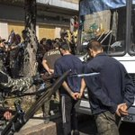 Киев и ДНР обменялись пленными по схеме «28 на 28» Подробности: http://t.co/pqwK98V0T8 http://t.co/1C2swvyeWF