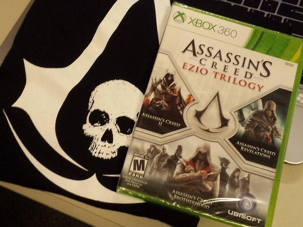 Giveaway time! RT for your chance to win a copy of the #AssassinsCreed: Ezio Trilogy on Xbox 360 and a t-shirt! http://t.co/MrYs3rSjNS