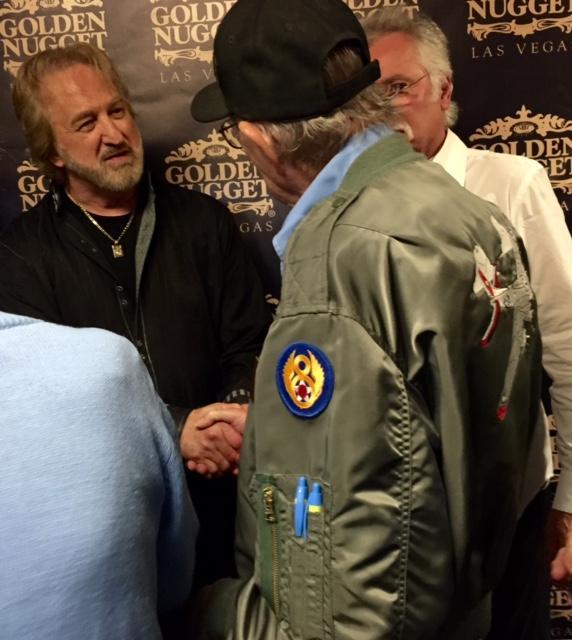 RT @DUANEALLEN: @oakridgeboys MEETING A TRUE HERO. 101st Airborne Vet Henry Oshman, 1 of 17 living C Comp. Band of Brothers! He is 91 http://t.co/rtupl4RAOb