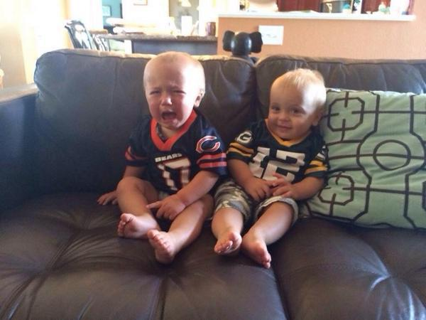 If you're having a bad day:  Packers baby smiling, Bears baby crying http://t.co/pBsXpfvYmr (via @thebiglead) http://t.co/BJzEGWvoiA